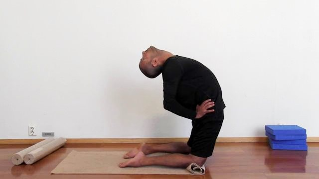 Yoga – healthy spine