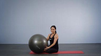 Trening med Pilates ball for deg som har vondt i ryggen.